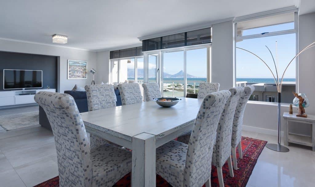 בית ושולחן